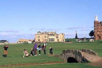 18th Hole and Fairway at Swilken Bridge Golf, St Andrews Golf Course, St Andrews, Scotland | Obraz na stenu