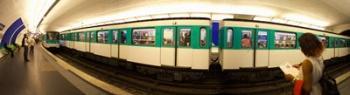 360 degree view of a metro train, Paris, Ile-de-France, France | Obraz na stenu